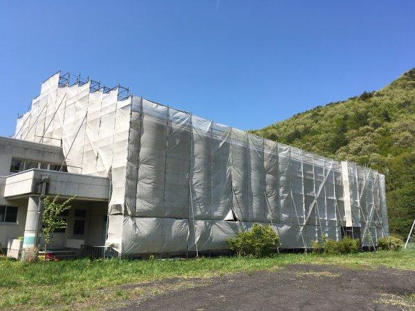 屋根 塗装 修繕 廃校体育館